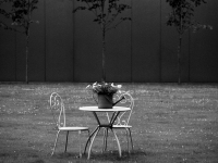 tafel-en-stoelen-buiten-01-b